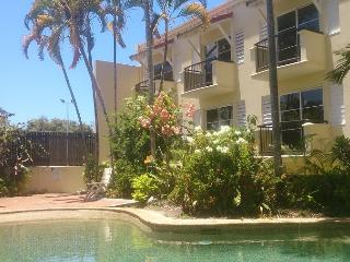 "Riley's Apartments ""14"", Cairns"
