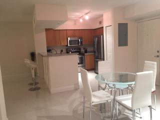 Gorgeous Luxury 1 Bedroom Apt in Coral Gables CG1BR1