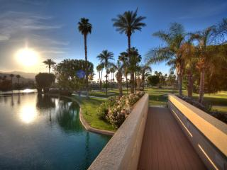 Luxury Living on Lake Mirage w/ Private Jacuzzi!