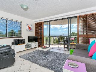 Best location in Cairns - Central with Ocean Views