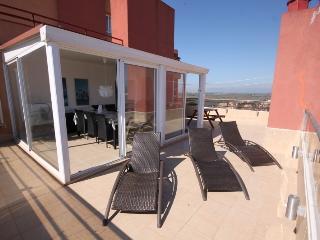 Impresionante apartamento con gran terraza, Roses