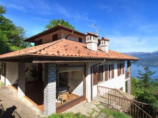 Spacious home with splendid views near Stresa!