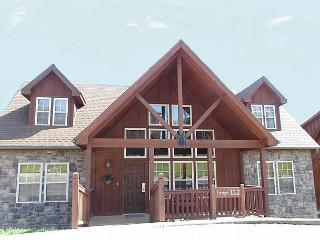 Wilderness Lodge : 4 Bedroom, 4 Bath Stonebridge Golf Resort Cabin, Branson West