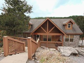 Dakota Lodge-2 bedroom, 2 bath lodge located at Stonebridge Resort-Sleeps 6, Branson West