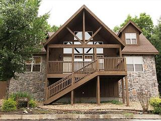 Black Shadow Lodge-Book this stunning 4 bedroom lodge in Stonebridge!, Branson West