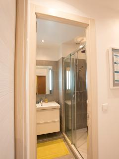 Luxury shower room next to bedroom 2