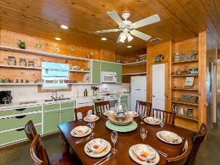 4BR/3.5BA Nautical Home in Port Aransas, Walk to the Beach, Sleeps 10