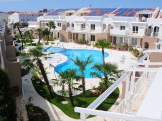 Moderno appartamento in residence con piscina, Jesolo