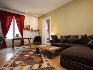 DELUXE THREE-BEDROOMS APARTMENT, Barcelona