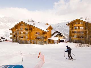 14A Ski in/out 2 Bedroom Apt, Montalbert