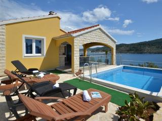 New* Villa Superior, Vela Luka