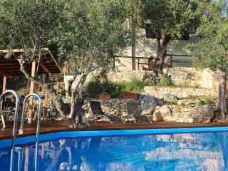 Pisa countryside holiday home rental with pool