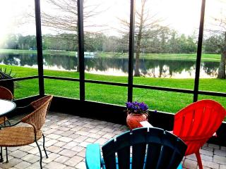 Kate's Places / Lily -Lakeside Townhome near Beach, New Smyrna Beach