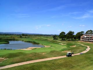 Luxury Penthouse on Golf Course near to beach, Gualta