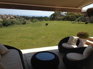 Villa sur les hauteurs  au calme, Cagnes-sur-Mer
