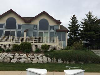 Waterfront Condo with Boat Slip, Manistee