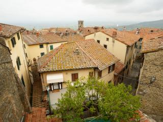 Charming townhouse close to historic centre, Cortona