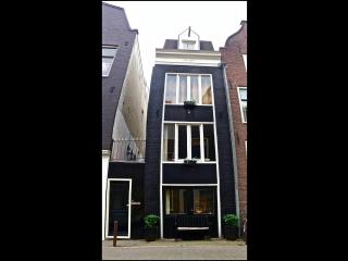 19th Century storehouse in the Jordaan area, Amsterdam