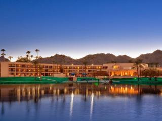 6 Room Golf & Lakeview Resort Villa Jacuzzi Suite (Calcavecchia + Mickelson)