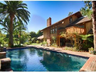 Exclusive Malibu Oasis Family Getaway on 2 Acres!, Malibú