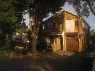 3/4 bed Apartment /House North London  for  3-4