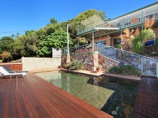 20 Pacific Terrace, Coolum Beach $500 BOND, Pet Friendly - Small dog only