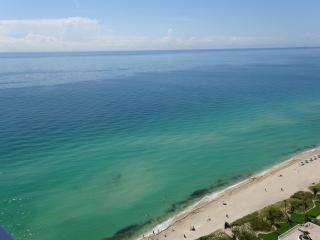 MAGNIFICENT OCEAN VIEWS! MODERN DECOR-CORNER UNIT
