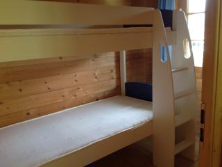 Small bedroom with new Stompa bunkbeds and matresses.