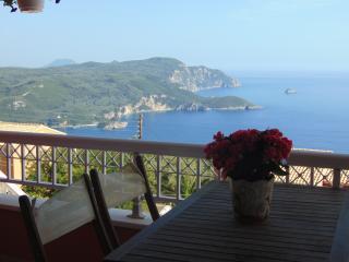 Stunning panoramic seaview apartment. 6-8 people, Peloponeso