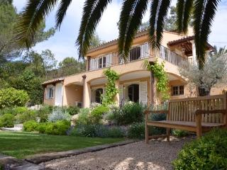 Charming 4 Bed Villa With Pool, Mougins