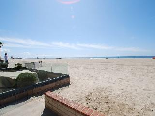 Fantastic Oceanfront Home! Undergoing remodel.  Fresh for 2016.(68102), Newport Beach