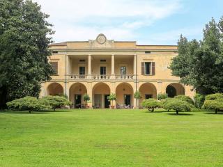Villa Longo: fascino e tranquillità, Faverzano