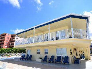 Sea Rocket #27- Second Floor Gulf View Efficiency!, North Redington Beach