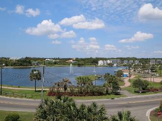 Carolina Lake Beach Villas B11 -  Unwind & relax at this cozy ocean view condo, Carolina Beach