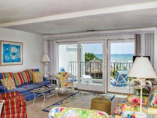 3BR/3BA Oceanfront Condo w/ Elevator, WiFi and outdoor pool!, Pine Knoll Shores