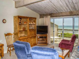 3BR/2BA Oceanfront Condo with Marina, Jogging Trails, Pools and much more!, Pine Knoll Shores