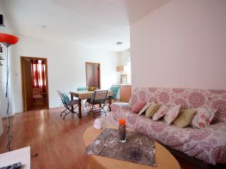 Apartment Dalmatinka with two rooms, Vela Luka