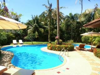"""COCONUT BAY""Stunning 4 bedroom Villa in Paradise"""