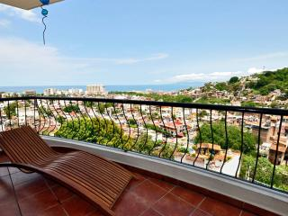 Modern View Condo Old Town PV, Puerto Vallarta