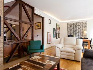 25 FLH Upscale apartment in Principe Real, Lisbon