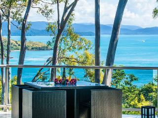 Blue water views 15, Isla de Hamilton