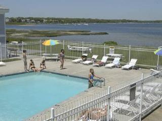 Surfside Resort  Falmouth, MA 4TH OF JULY!
