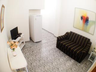 One bedroom apartment in Copacabana beach for 4 people, Rio de Janeiro
