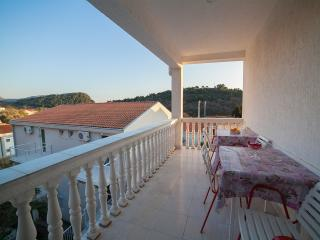 Guest House 4M - Studio with Shared Balcony 1, Petrovac