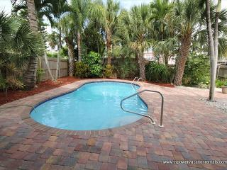 135 Mango Street, Fort Myers Beach