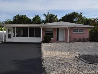 281 Donora Boulevard, Fort Myers Beach