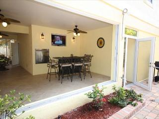 241 Pearl Street, Fort Myers Beach