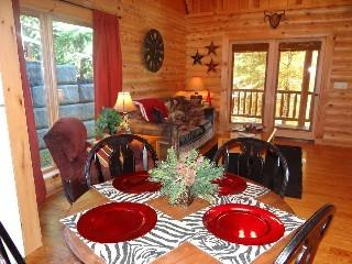 Snuggle Up - Cabin in the Smokies!, Sevierville