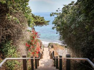 Close to beach with private patio!, Santa Barbara