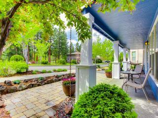 Westside craftsman home with three master suites!, Bend